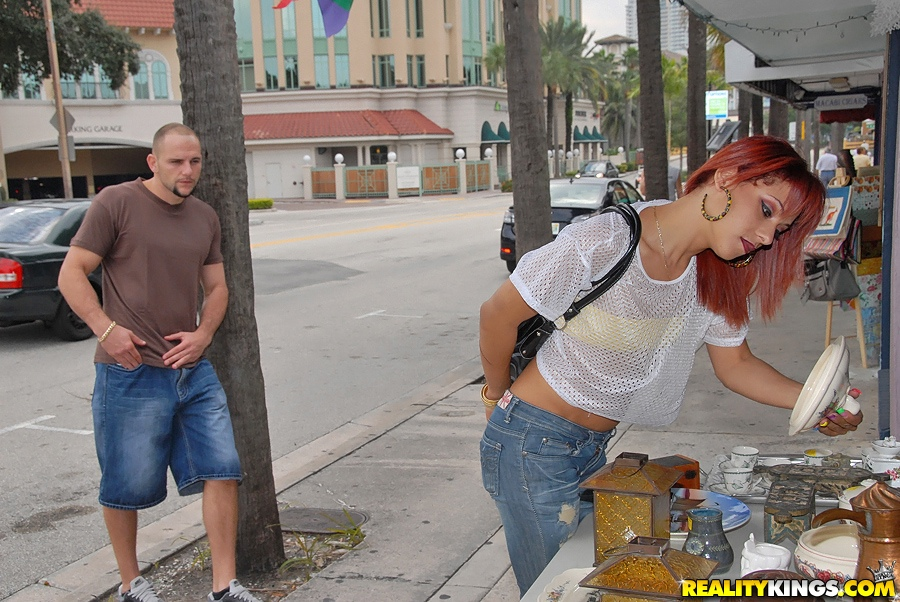 porno on street